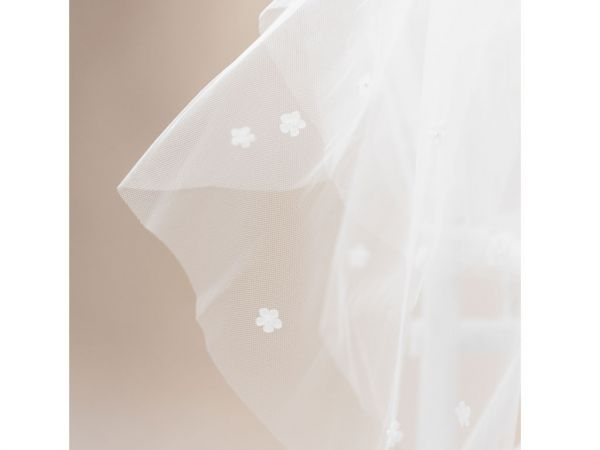 Sprinkles - Scattered Flowers Communion Veil